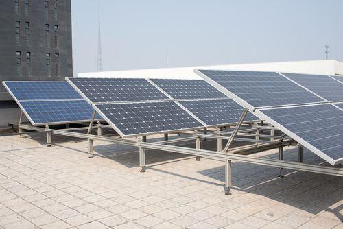 Oriëntatie zonnepanelen opstelling