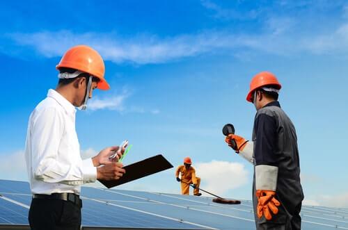 vergunning-nodig-voor-zonnepanelenonderhoud zonnepanelen