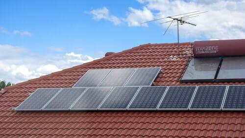 Verhogen zonnepanelen de waarde van uw huis