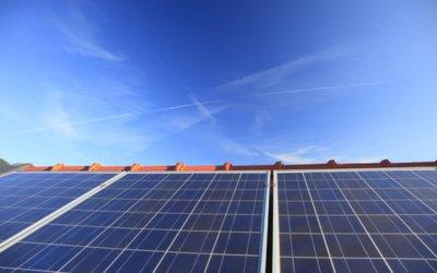 Waar krijgt Nuon zijn zonnepanelen van en wat scheelt het voor je als consument bij het aanschaffen van zulke panelen?