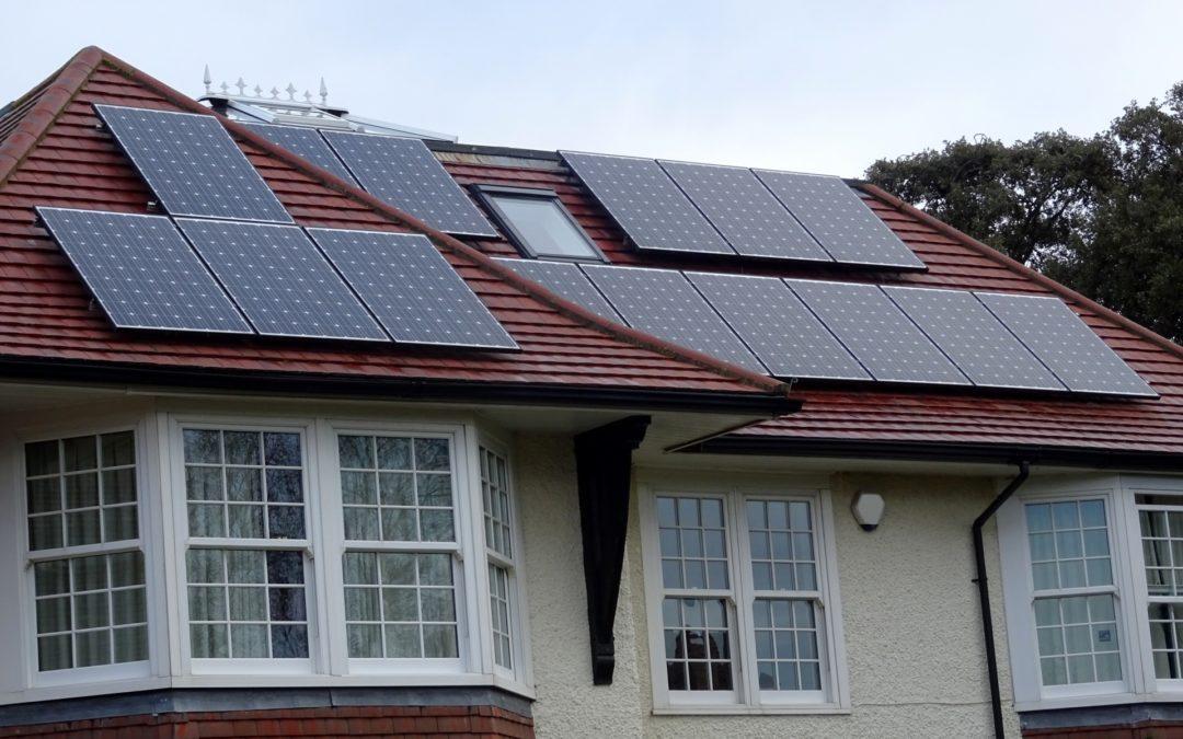 Waar let je op bij de aanschaf van zonnepanelen?
